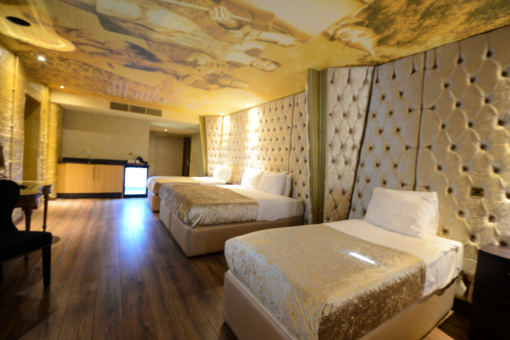 Wizard of Oz - movie themed hotel rooms