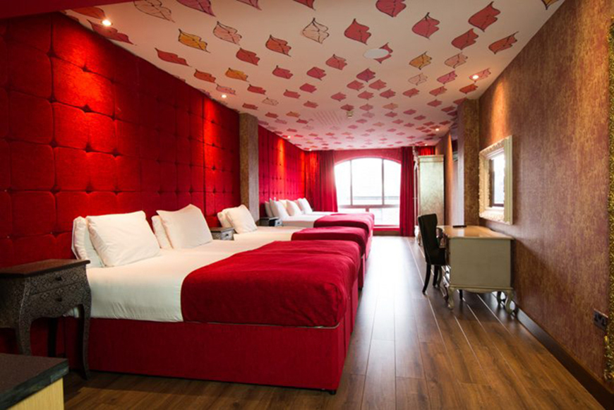 Lips room - accommodation for a Valentines date