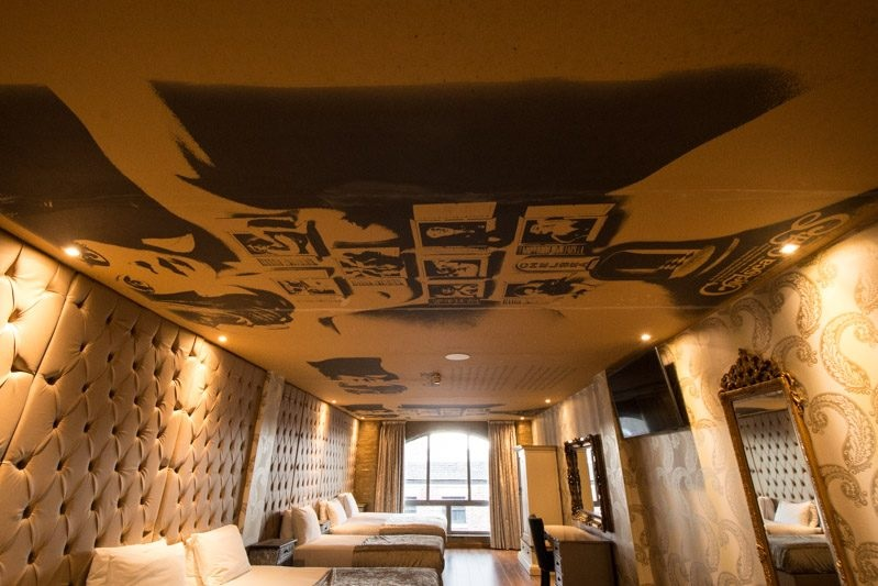 Chelsea Girls room - group accommodation for boys night out in Liverpool